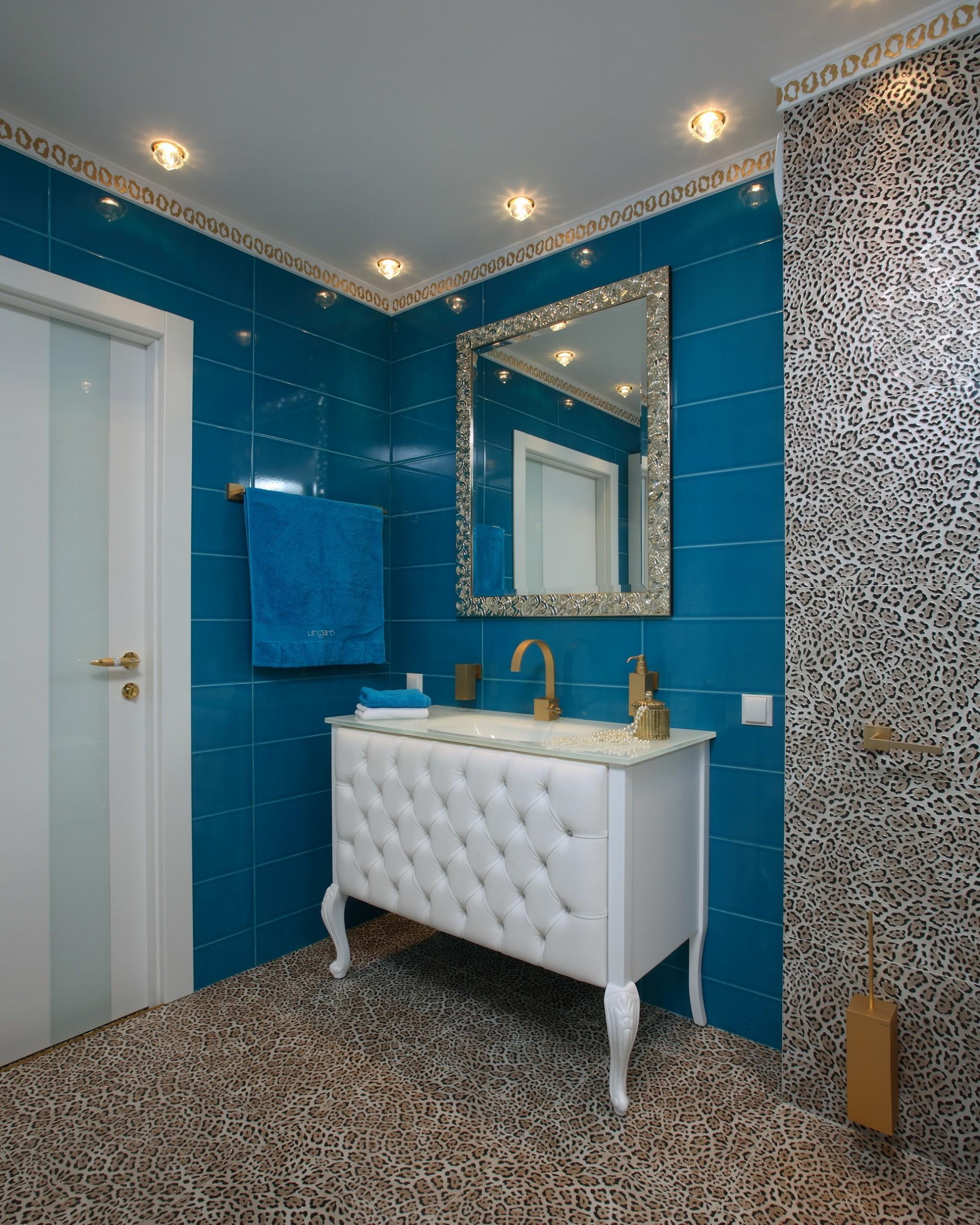 Бирюзовая ванная в стиле Ар Деко