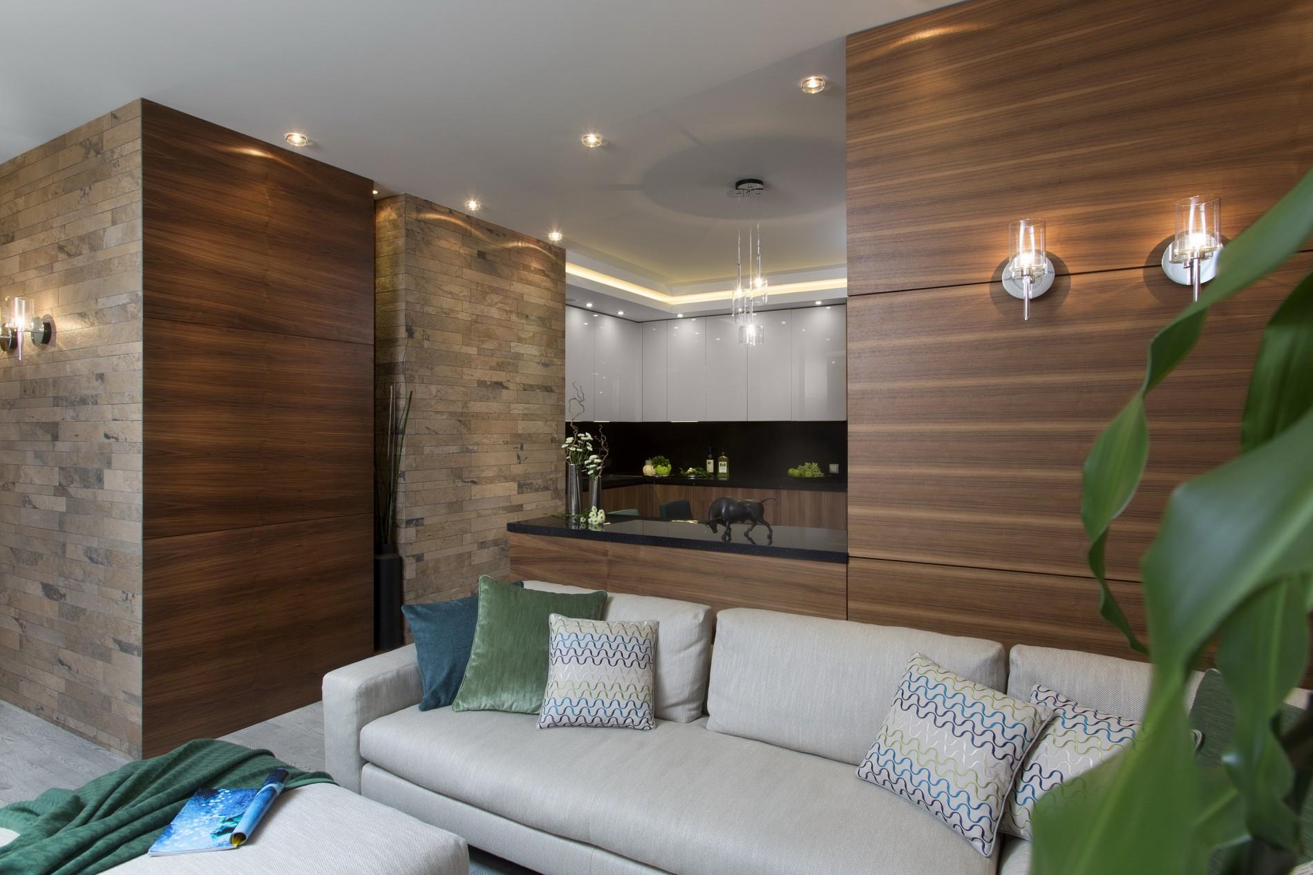 Дерево и камень в интерьере квартиры