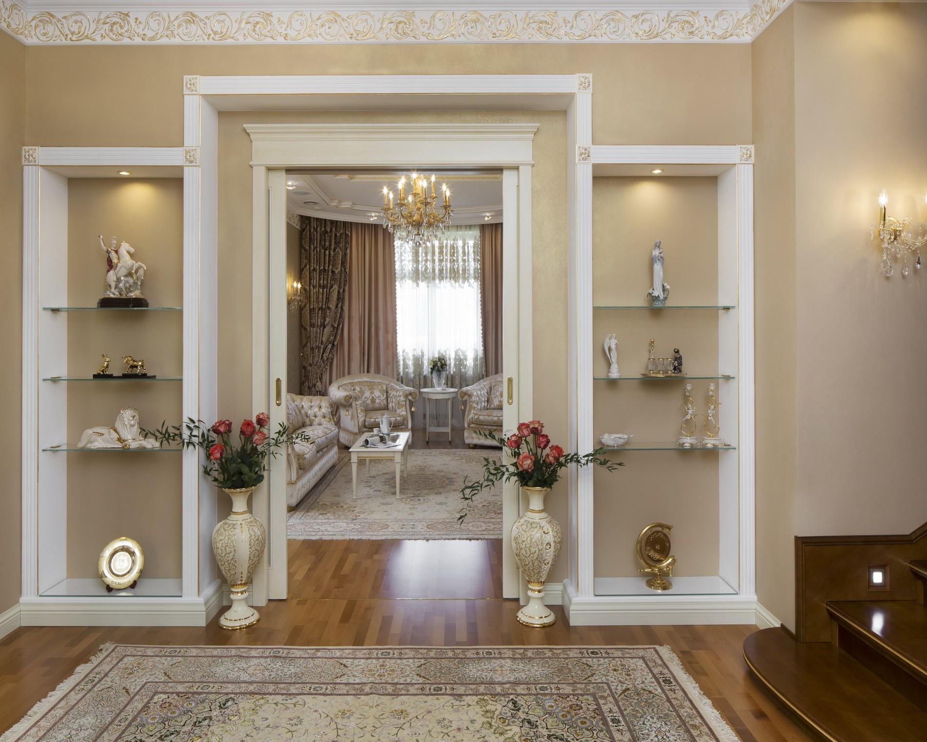 Просторный дом в классическом стиле