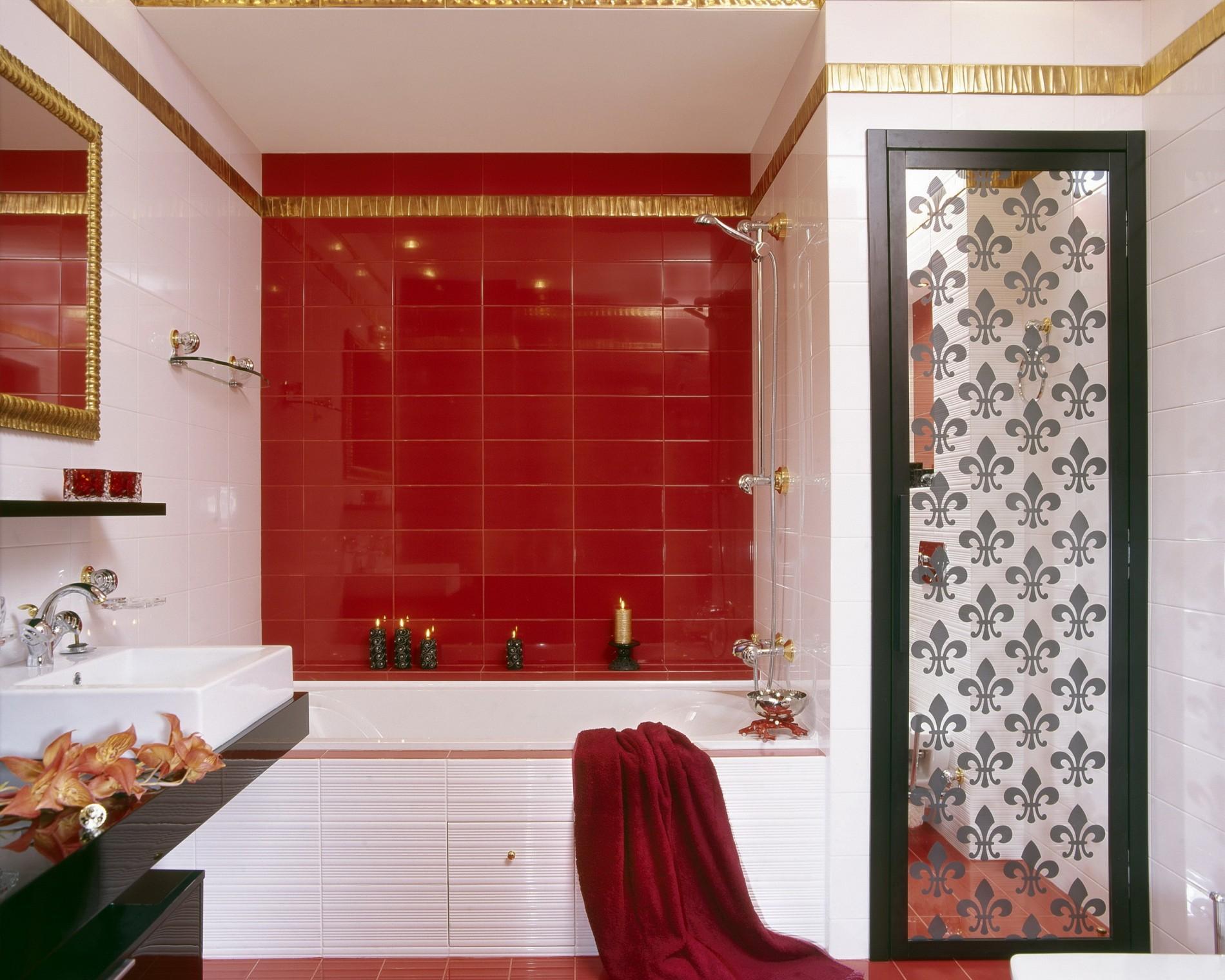 красно белая ванная дизайн от artdefacto