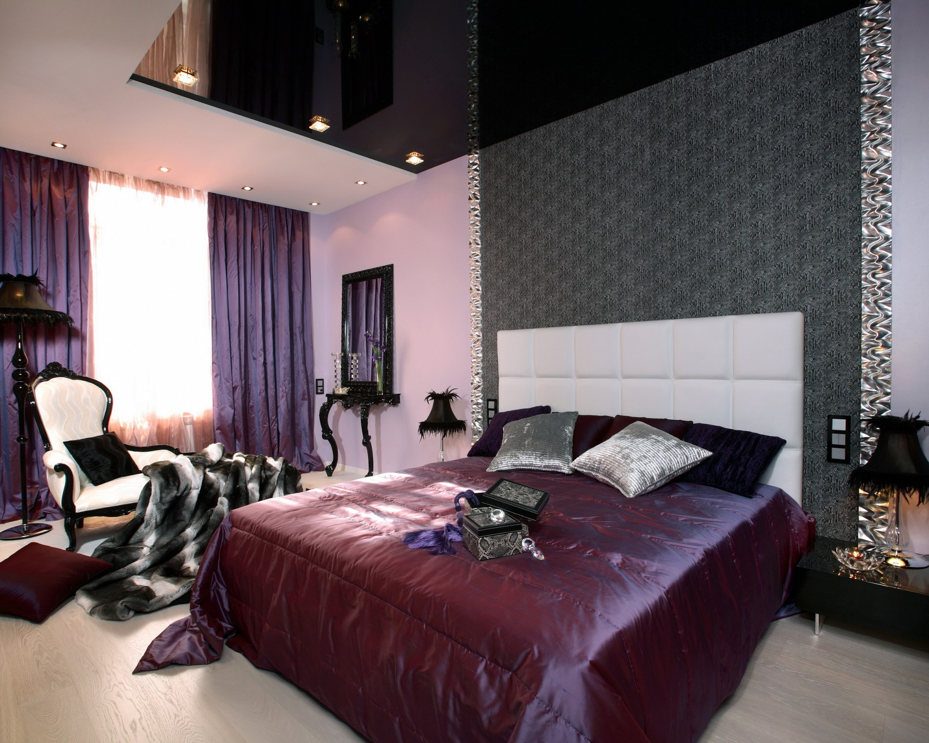 Фиолетовая спальня от дизайнера
