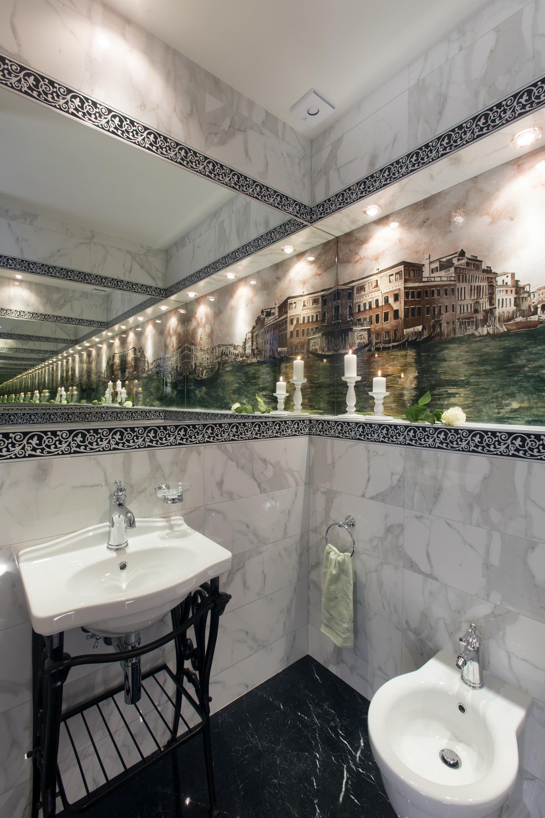 Панно Венеция в зеркале в санузле