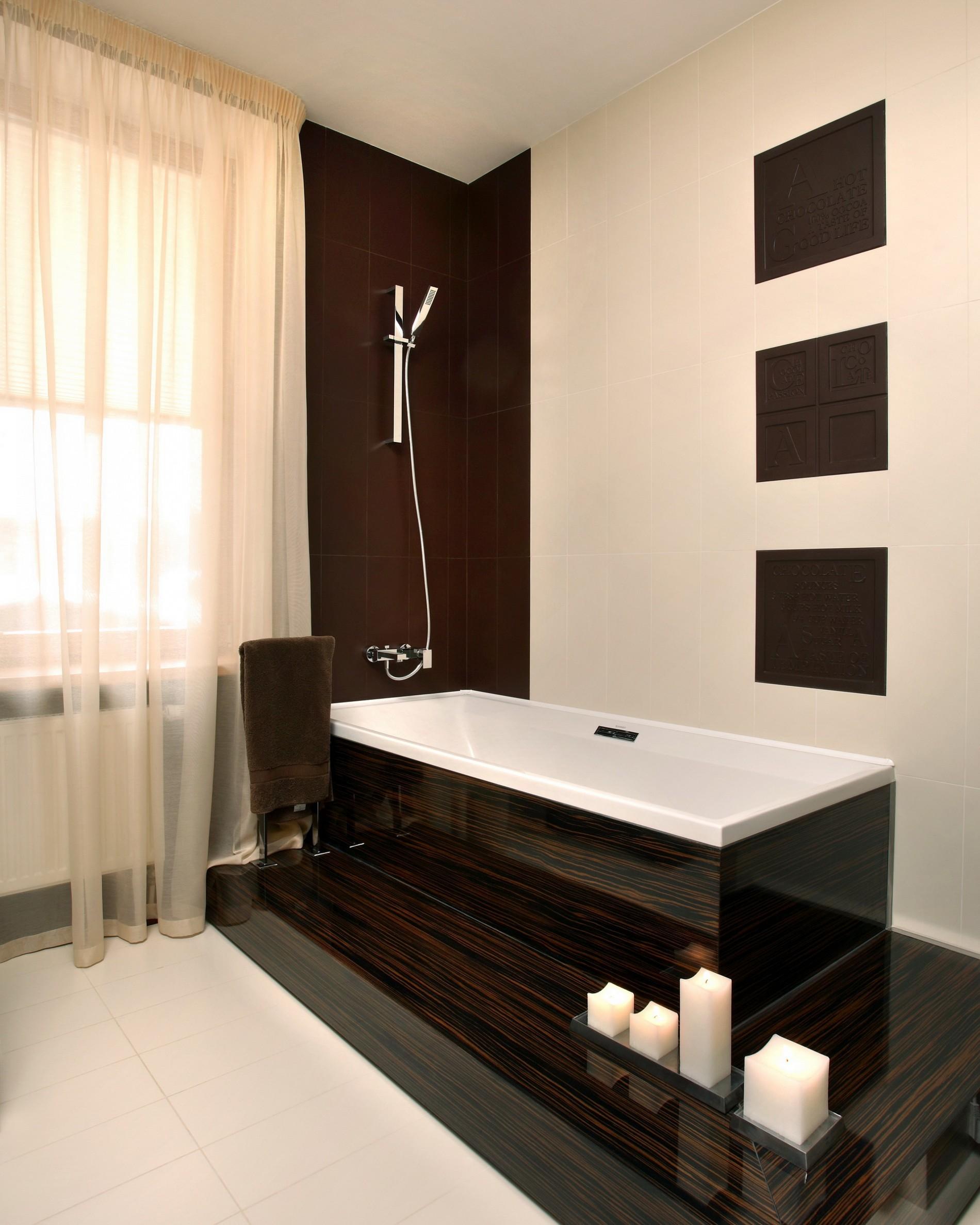 ванная под дерево в роскошном интерьере от дизайнера